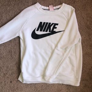 Nike Sweaters - Nike crew neck